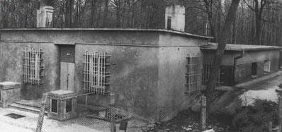 Spotkanie odbyło się na terenie tajnego ośrodka radiowywiadu  nieopodal Pyr pod Warszawą.