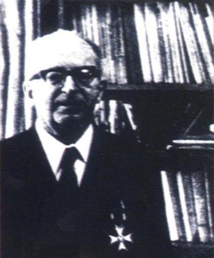 Marian Rejewski wprawdzie powrócił do kraju, jednak pracował na stanowisku znacznie poniżej swych umiejętności. Dopiero w końcu życia poznano jego rolę w pokonaniu Enigmy