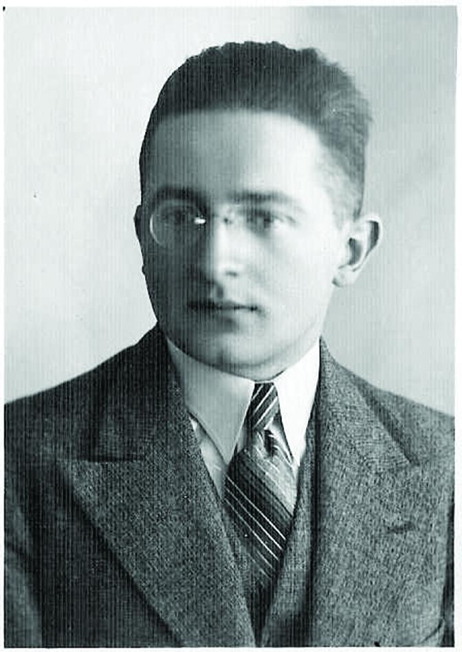 Gdy Marian Rejewski zastosował równania matematyczne do opisania Enigmy nie znał dokładnie wyglądu wojskowej wersji tej maszyny.