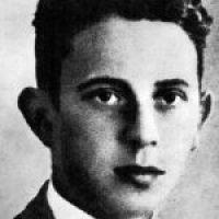 Zdjęcie prezentujące młodego Jerzego Różyckiego